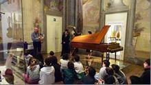 音楽博物館での現役演奏家などによる学校向けワークショップの様子